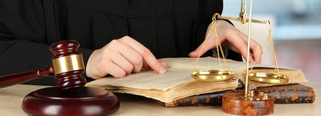 Abogado civil en Castellón. Especialistas en accidentes de tráfico, herencias y testamentos.